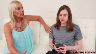Presley St Claire – Fucking Mom Right