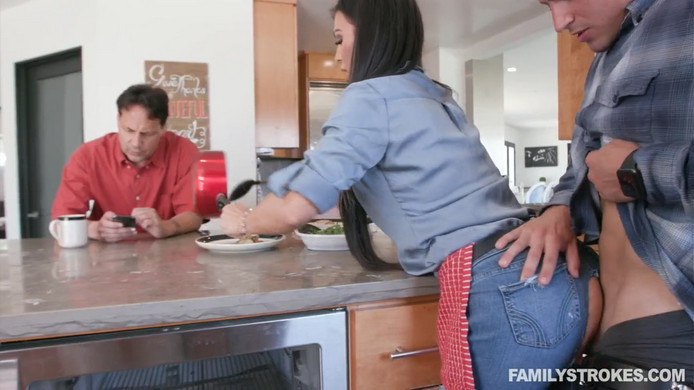 Melissa Lynn – Eggs And Bacon Boning
