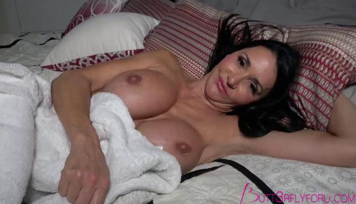 Butt3rflyforu – In Mommy's Bed