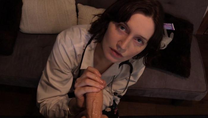 Bettie Bondage – Mom Roleplays Doctor