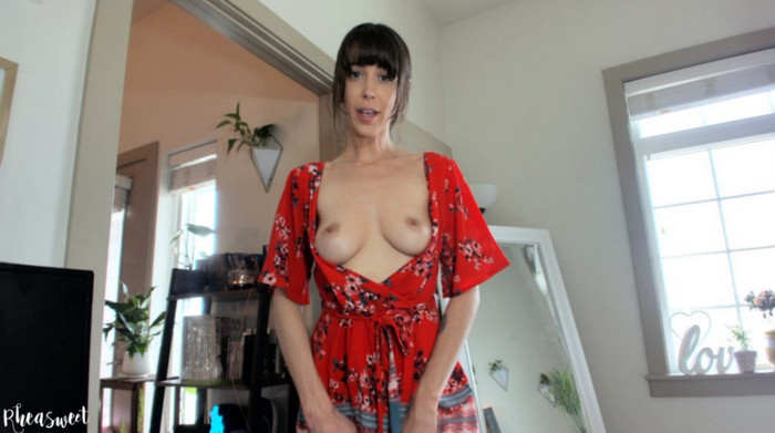 Rhea Sweet – Mommy finds your Porn