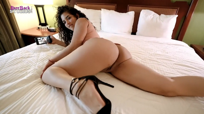 Gabriela Lopez – Low Key Fucking My Step Daughter while she Watches Step Moms Onlyfans