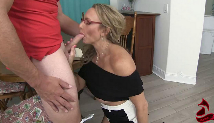 Kenzi Foxx – Horny MILF Tutor Takes Advantage of Teen