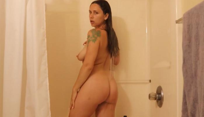 MilfParadise – Mommy Son Shower