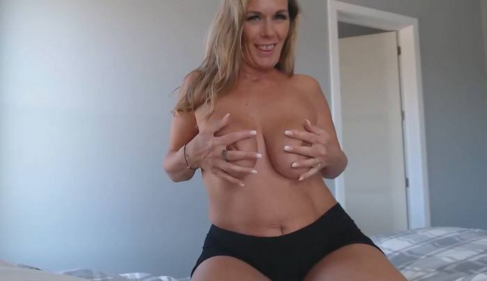 Kimi The Milf Mommy – POV Morning sex with Mommy