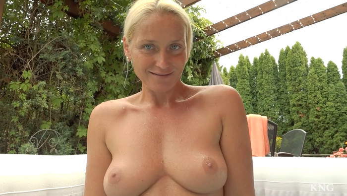 Kathia Nobili – Hot Tube and Hot Sex with Your Mom