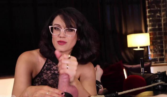 Penny Barber – Kinky Sex with GothMom